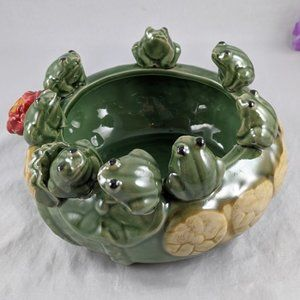 """Other - 7"""" Ceramic 8 Frog Lilly Pad Bowl"""